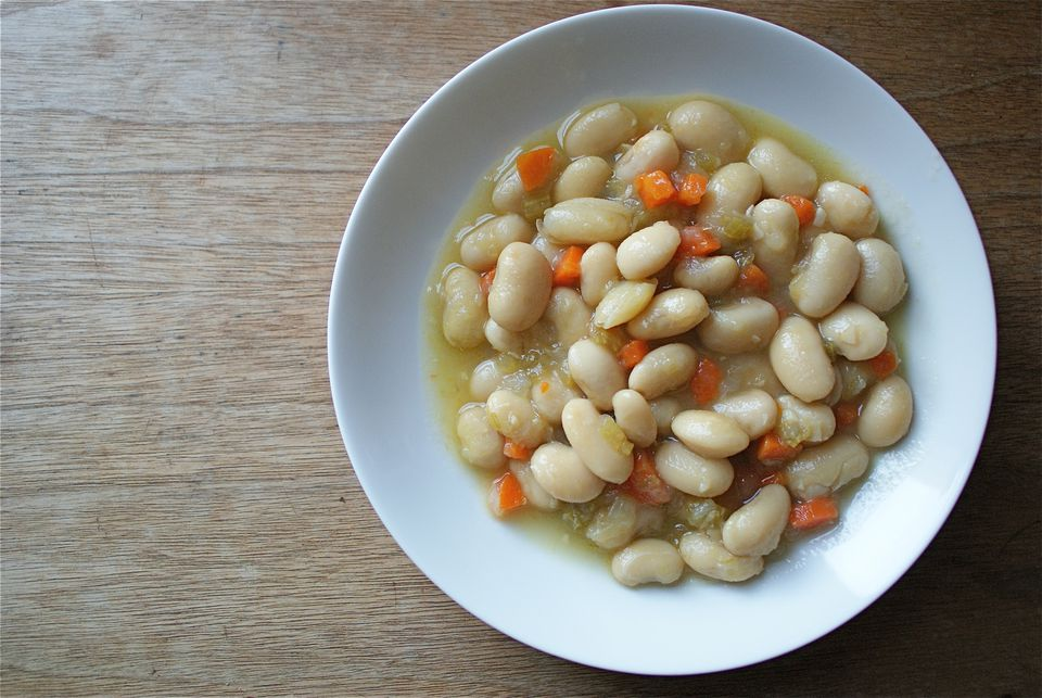 Cooked cannellini beans