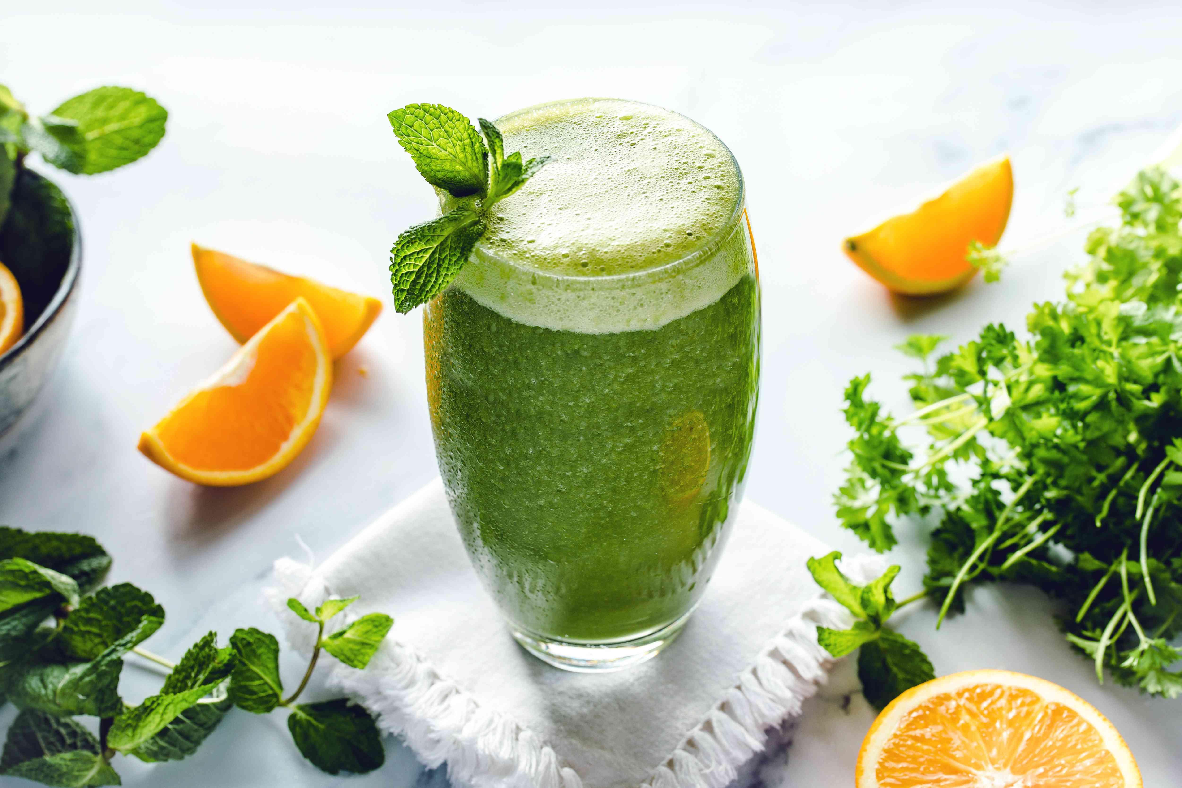 Raw green kale smoothie recipe
