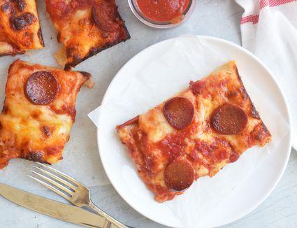 detroit-style-pizza-4777054-16