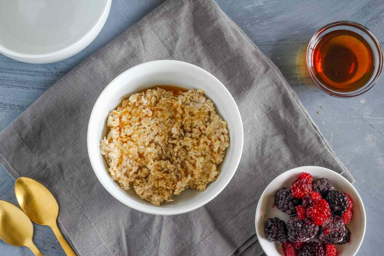 Serve porridge with fruit