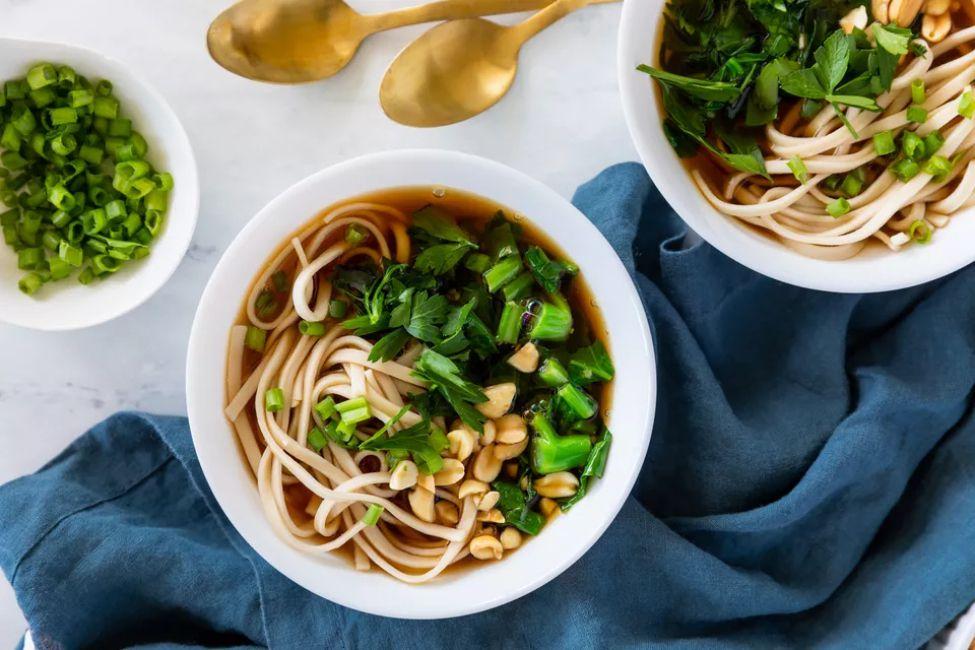 Vegetarian Japanese Udon Noodle Soup