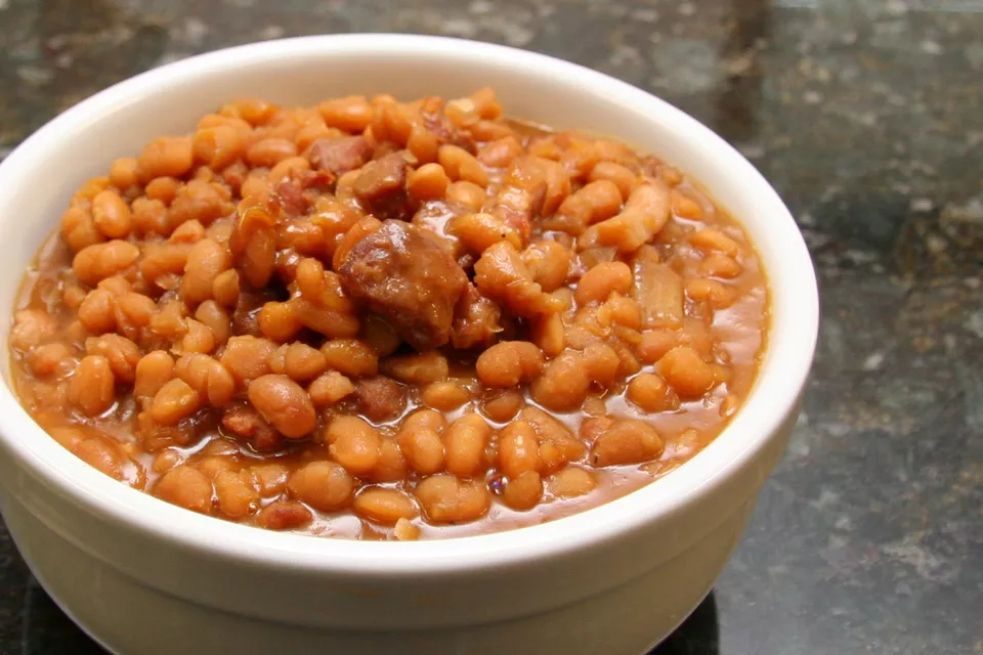 Baked beans with country ham