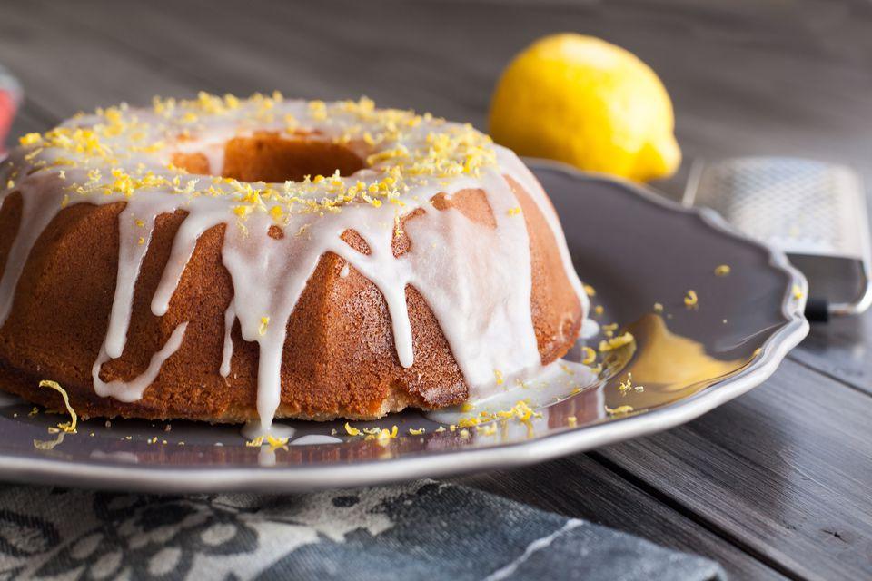 Pastel de limón con glaseado