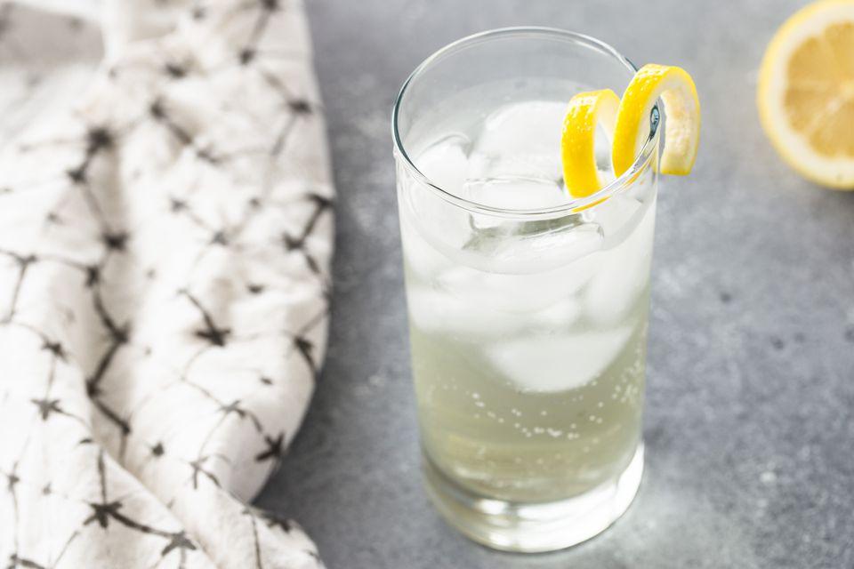 Receta de cóctel de flor de saúco con champán