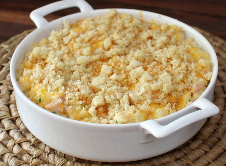 Cheddar potatoes au gratin with ham