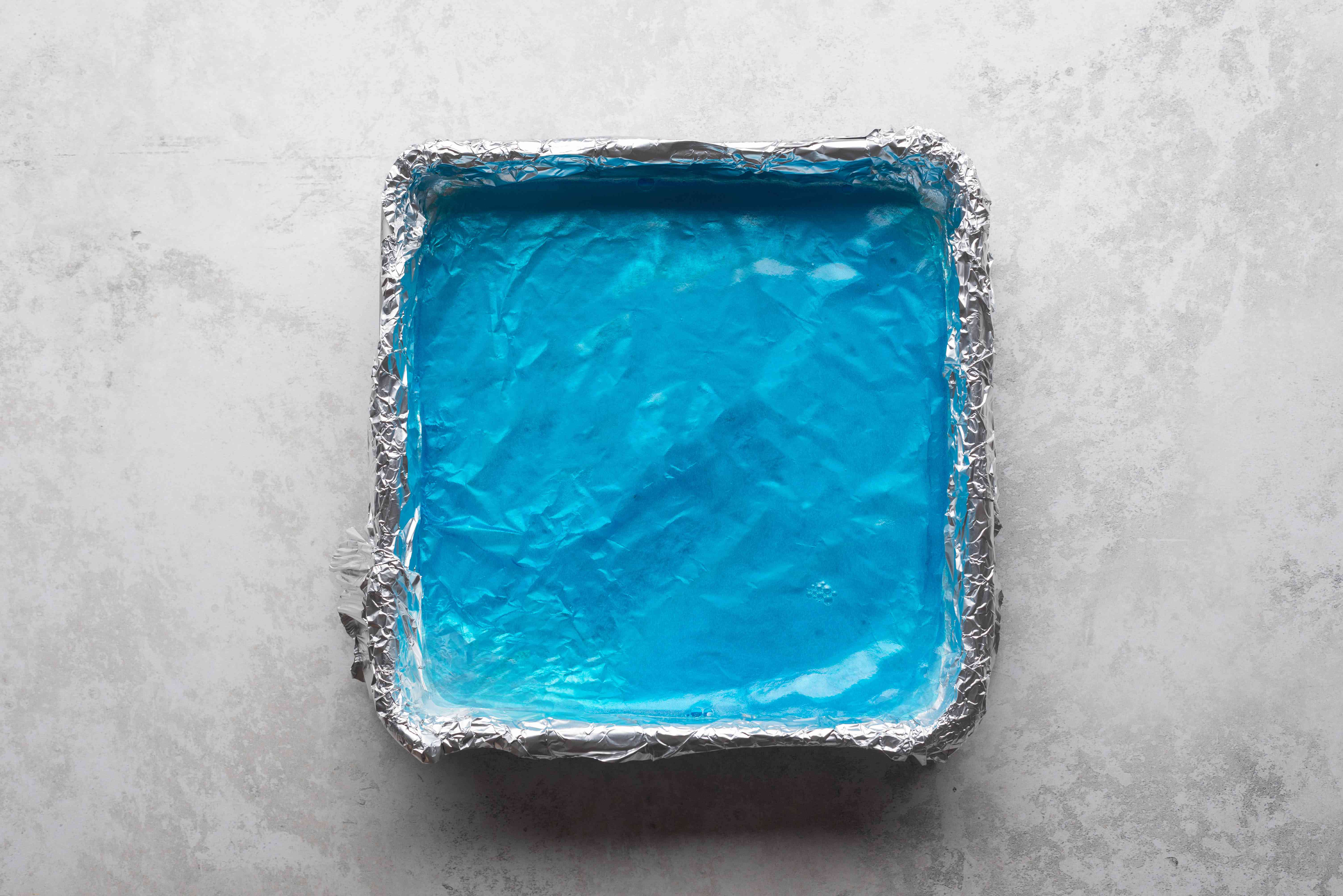 glue gelatin in a baking dish