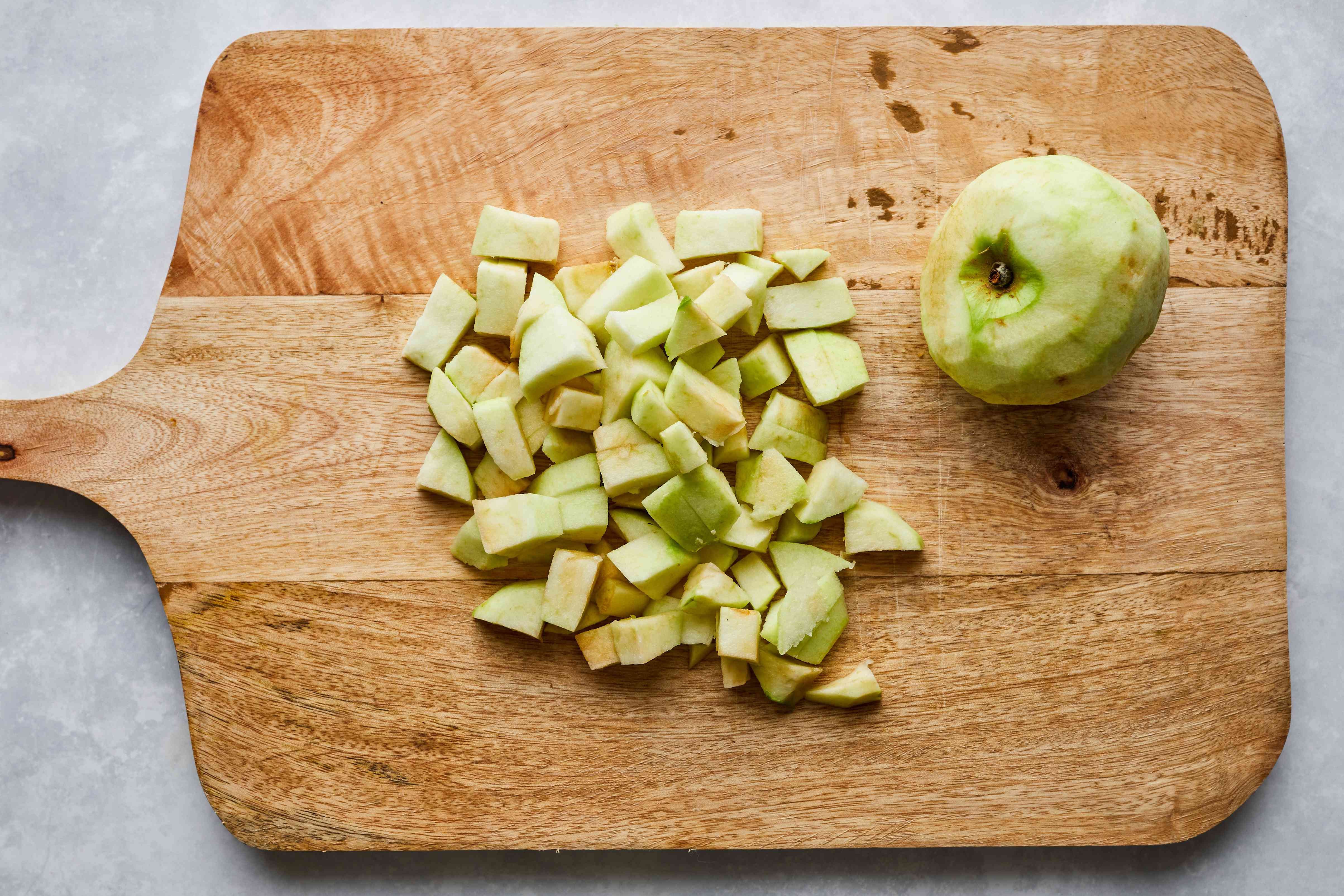 Peeled and chopped green apple