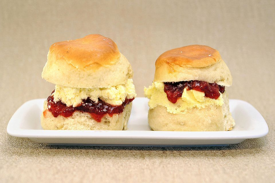 Clotted cream scones