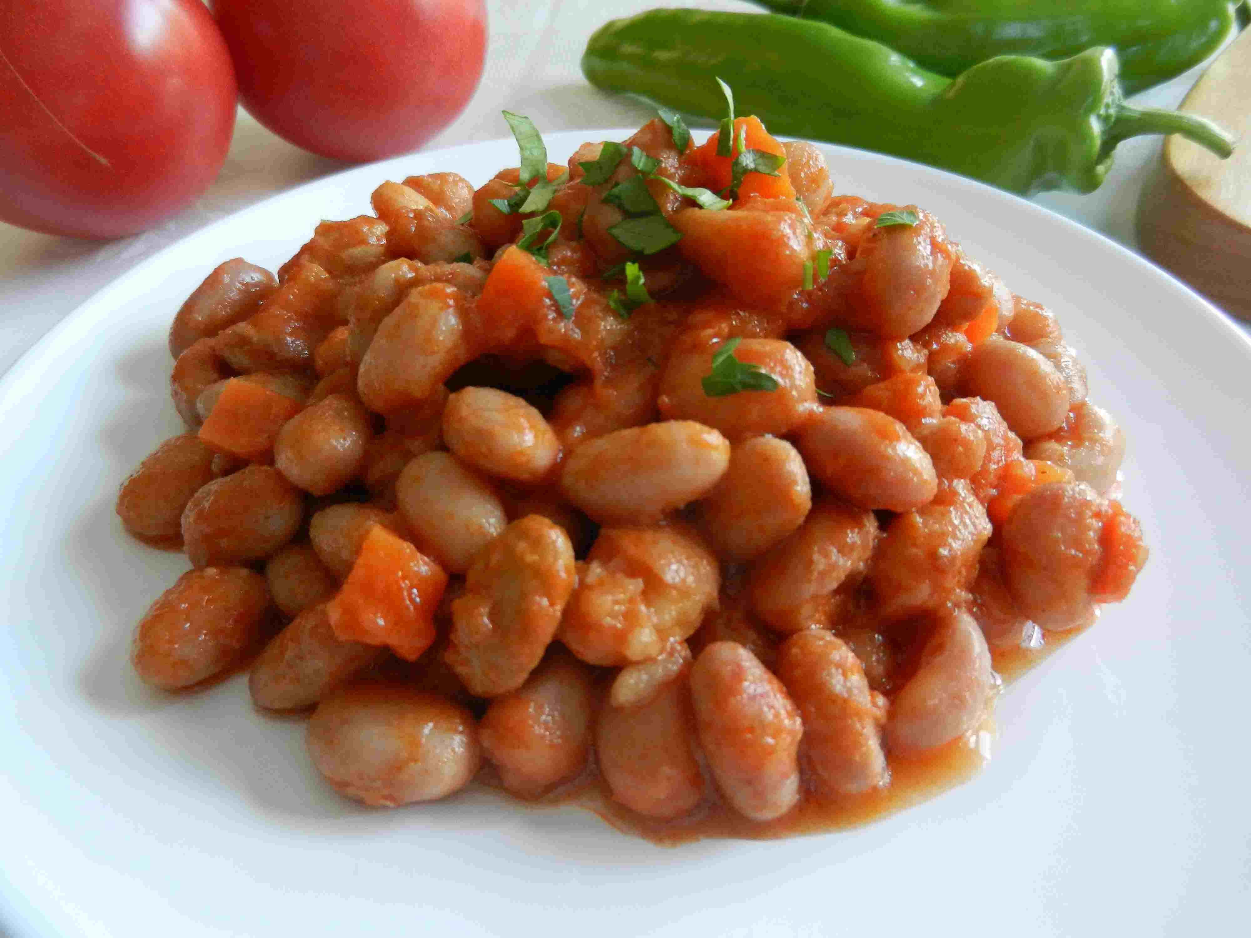 pinto beans and tomato