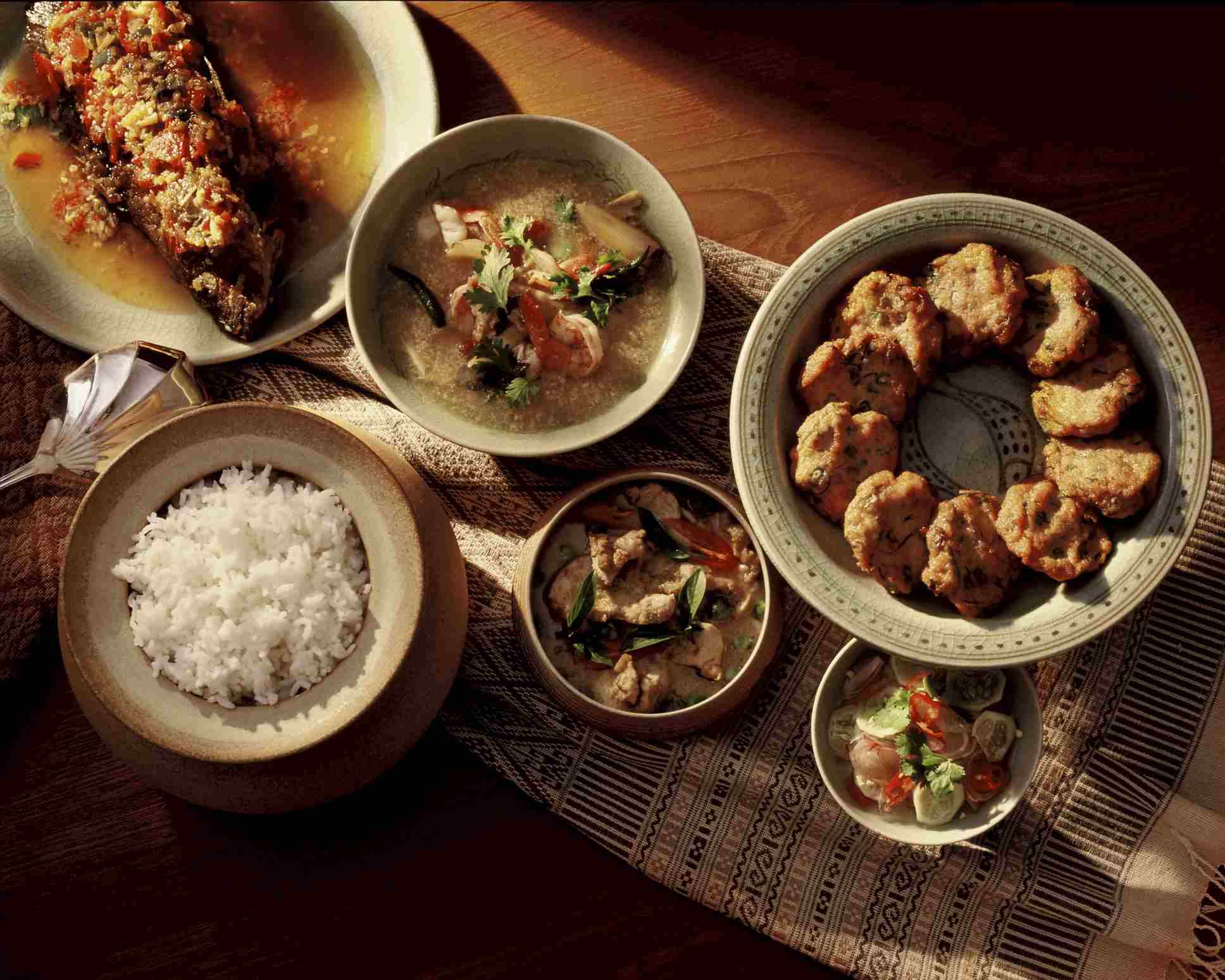 How to Cook Up an Easy Thai Dinner Party
