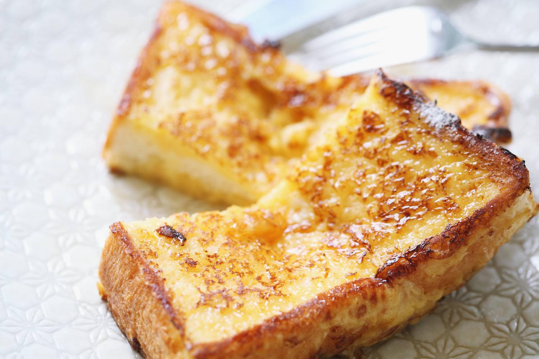 Delicious honey soaked torrijas