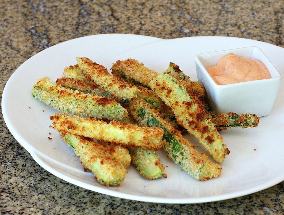 Baked Panko and Parmesan Zucchini Fries