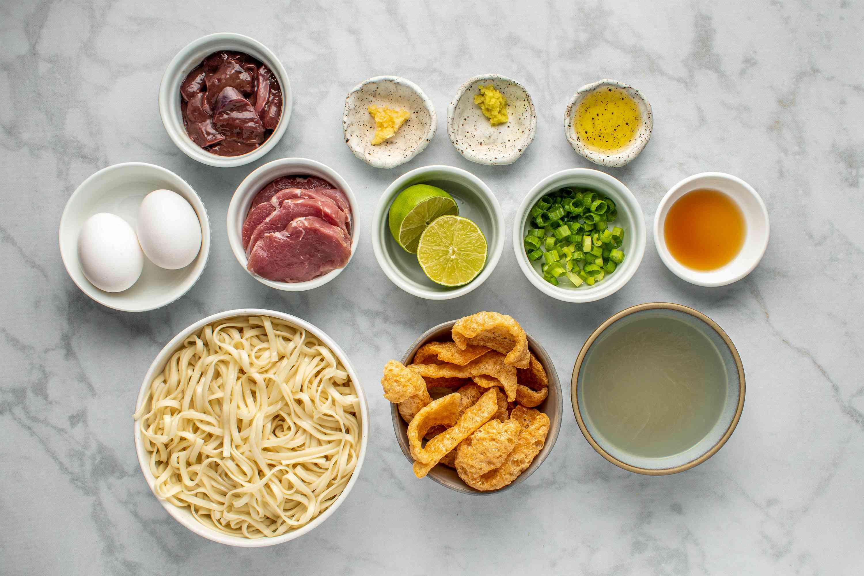 Central Philippines Pork Noodle Soup (La Paz Batchoy) ingredients