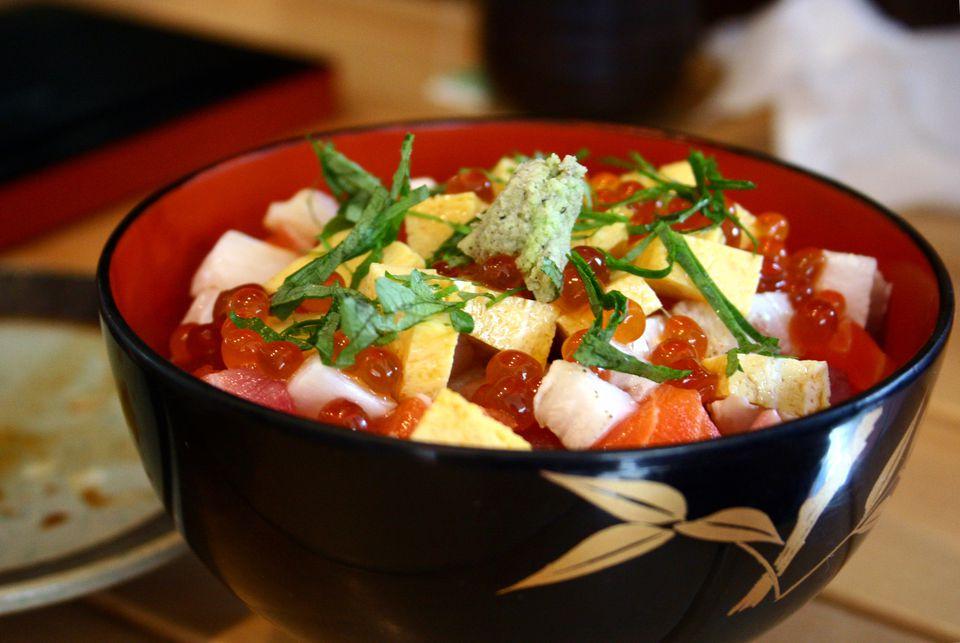 Chirashizushi in a bowl