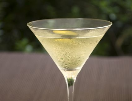 VeeV Stingaree Treetini Cocktail Recipe