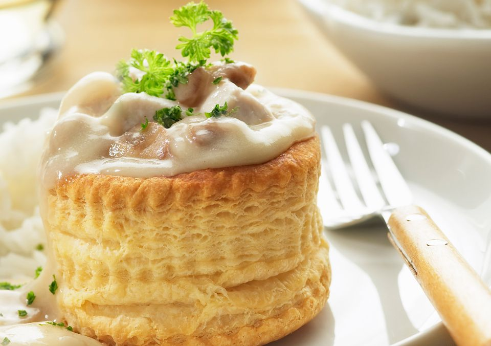 Creamy chicken à la king in a vol-au-vent