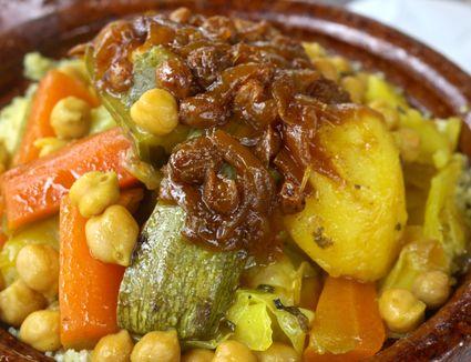 Couscous with tfaya garnish