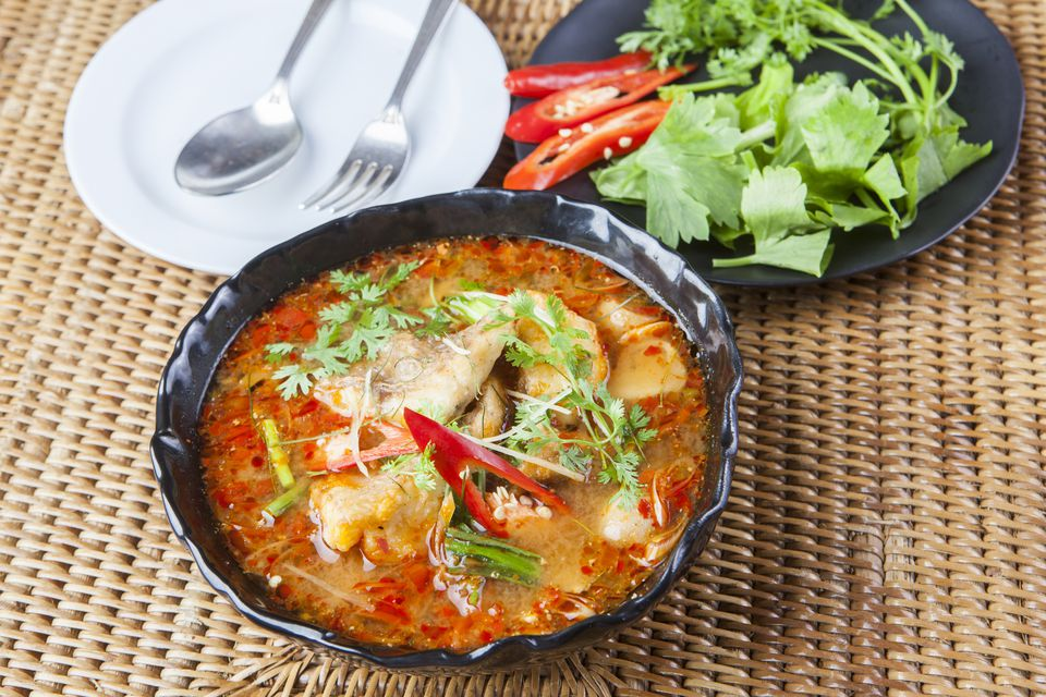 chicken with red curry and herb