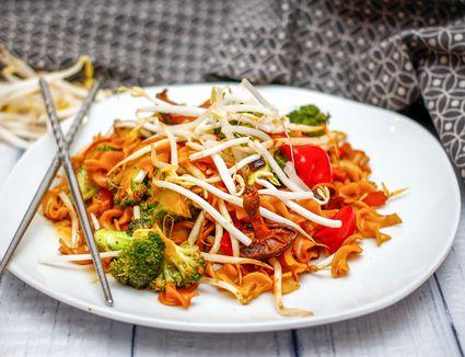 Thai Stir-Fried Noodles With Vegetables Recipe