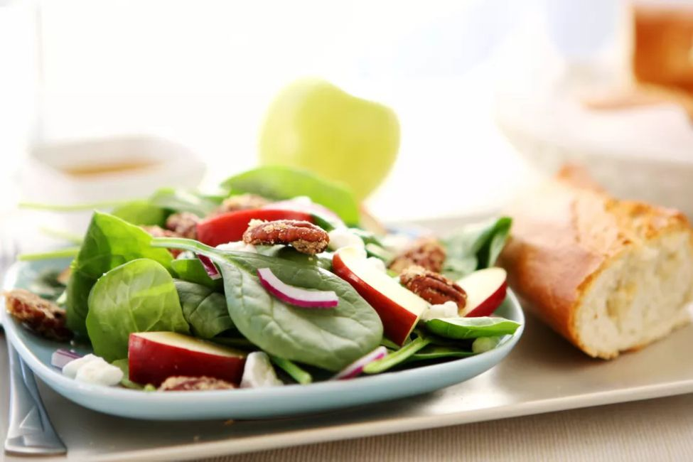 Spinach Salad With Apple Vinaigrette