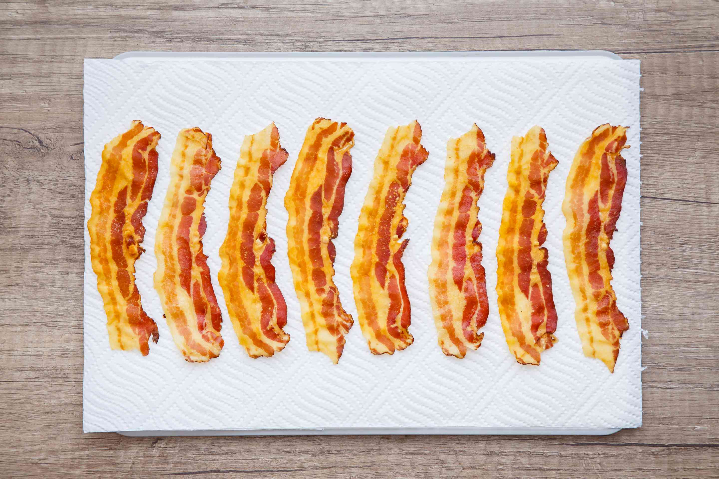 Set bacon on paper towel
