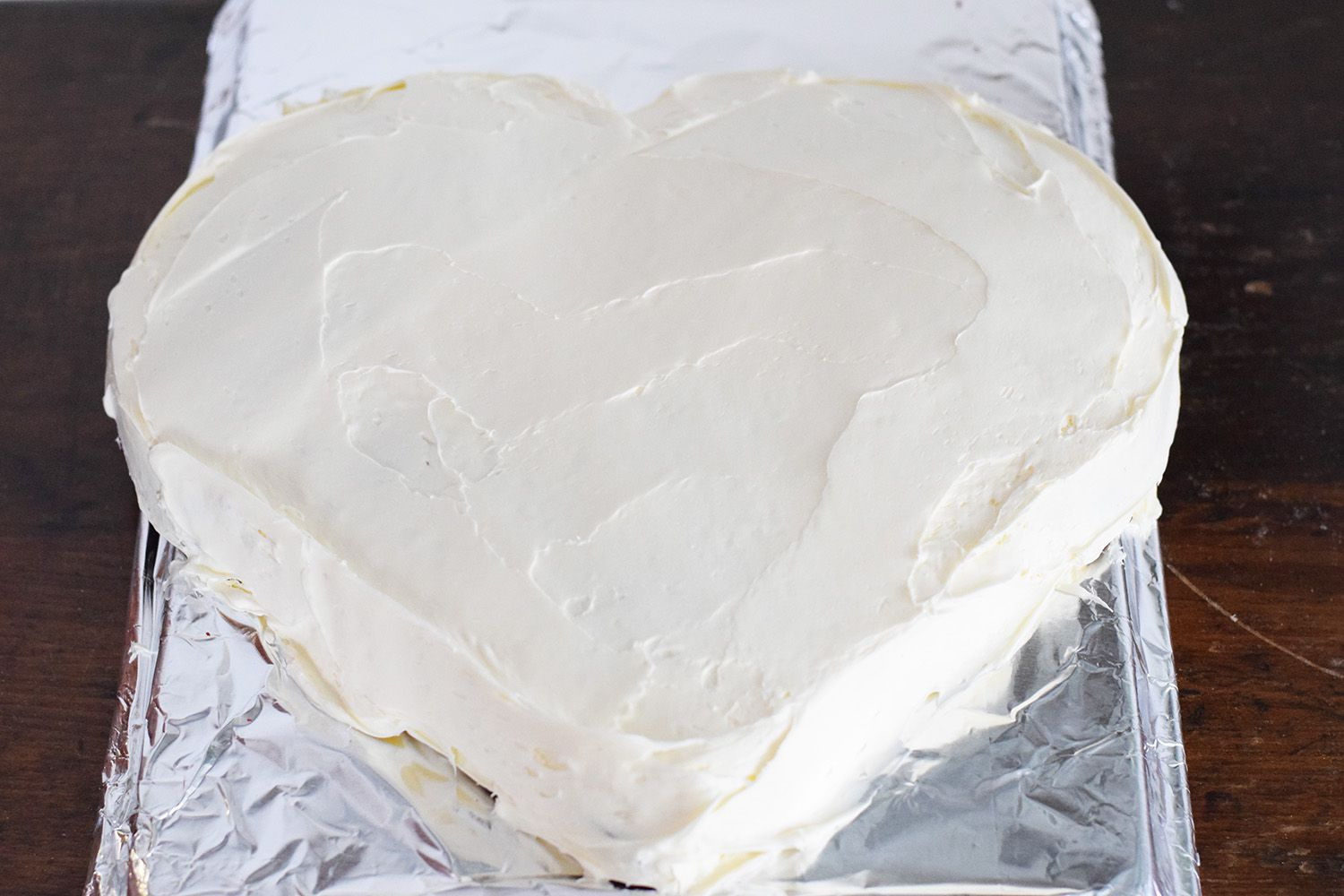 How to Make a Heart-Shaped Cake (With Step-By-Step Instructions)