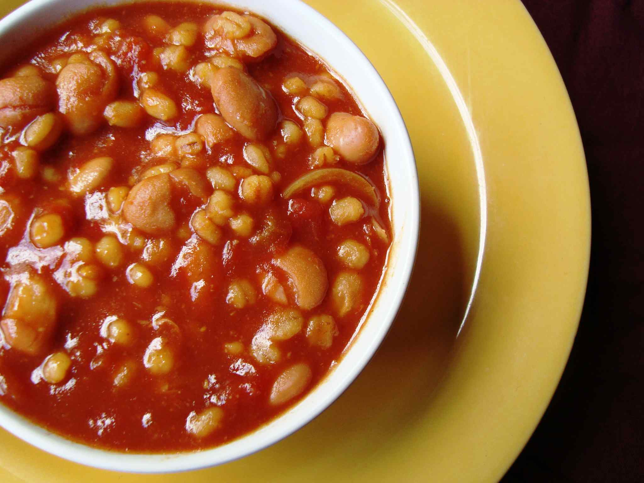Vegetarian baked beans with barley