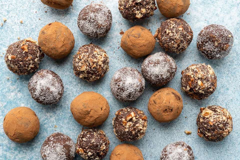 Easy Chocolate Bourbon Truffles
