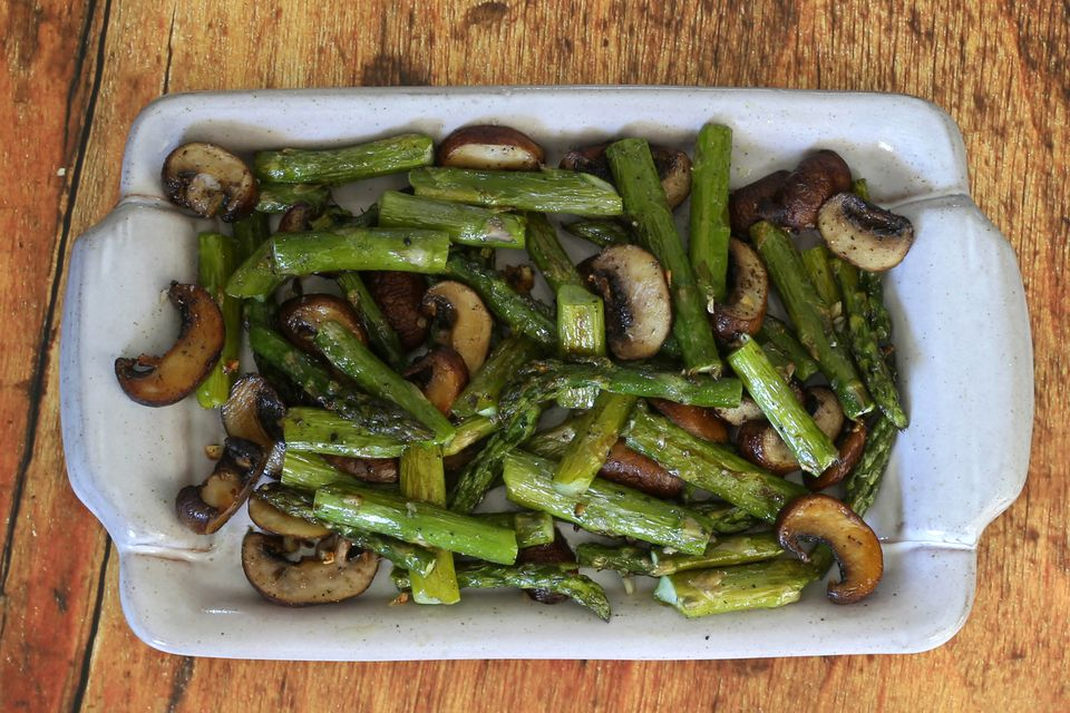 roasted asparagus and mushrooms with garlic