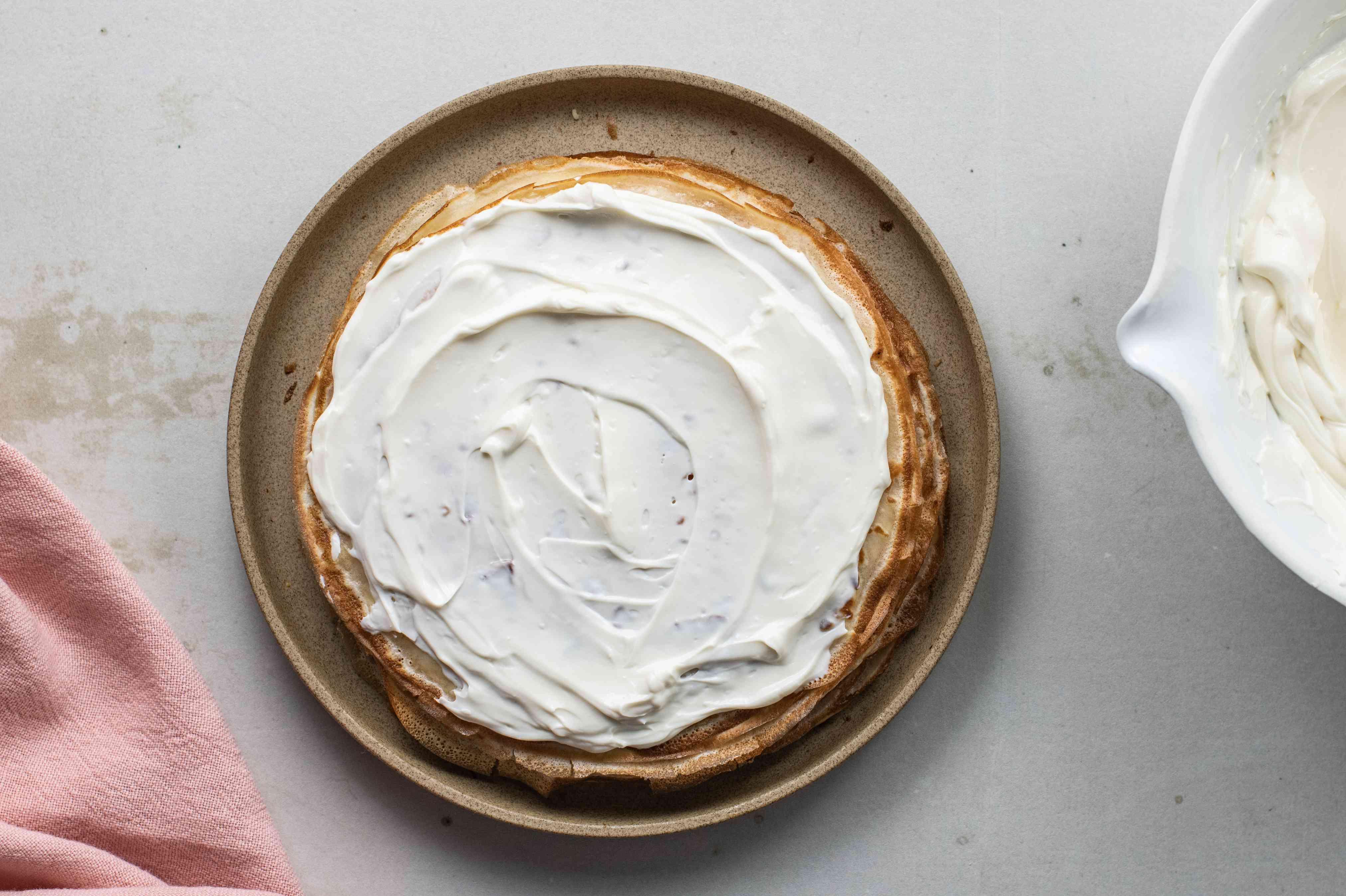 Spread cream cheese