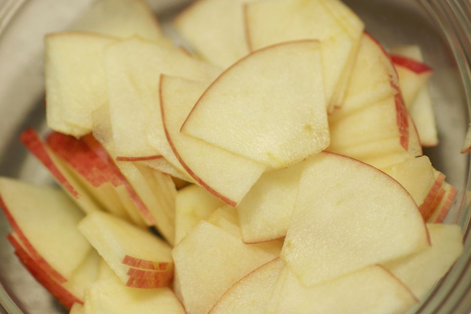 how to make dried apples in a dehydrator
