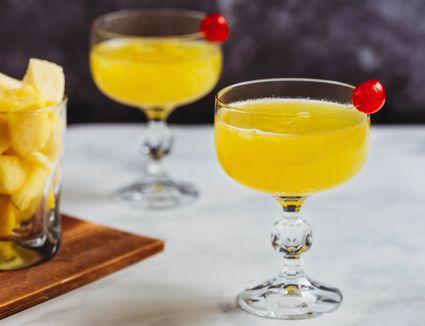 Flirtini Vodka Cocktail With Champagne Sparkle
