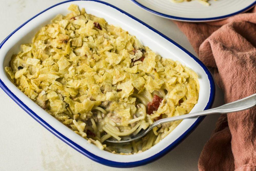 Tuna Spaghetti Casserole With Potato Chips